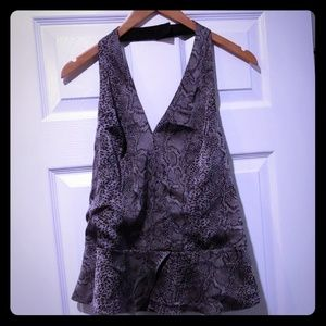 ⚡⚡Elegant Brand New Top by Guess⚡⚡